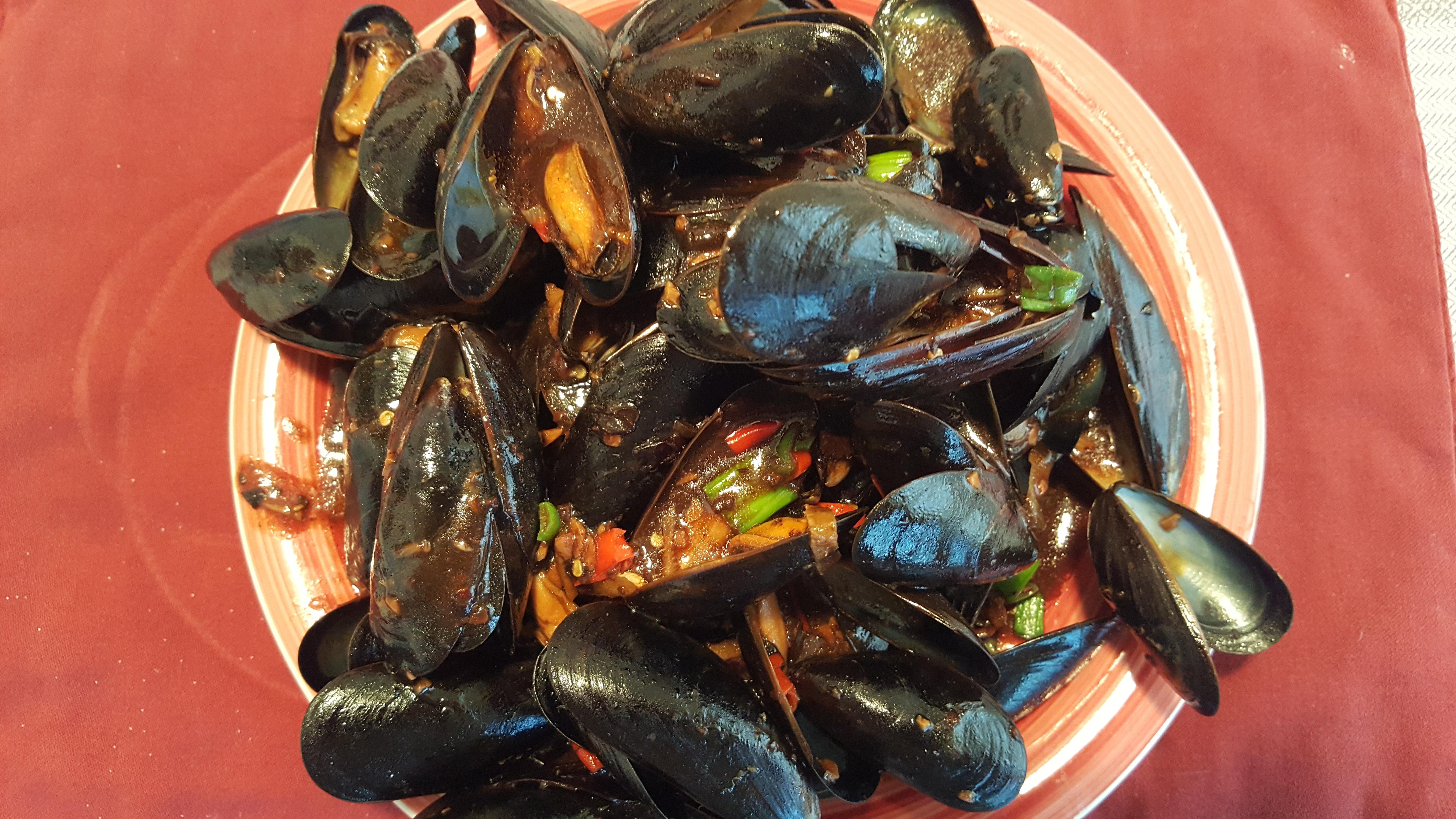 Black Bean Mussels